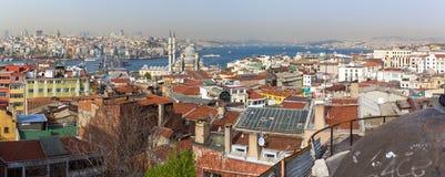 Panorama av Bosporusen och delarna av Istanbul och guld- horn B Royaltyfria Foton