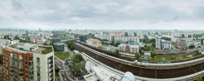 Panorama av Bratislava i m?rk regnig dag arkivbilder