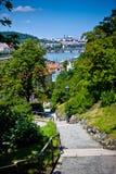 Panorama av broar för Prague `s från Visegrad Royaltyfri Bild
