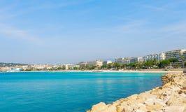 Panorama av Cannes, Cote d'Azur, Frankrike, s?dra Europa Trevlig stad och lyxig semesterort av franska riviera Ber?md turist- des royaltyfria bilder