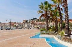 Panorama av Cannes, Cote d'Azur, Frankrike, s?dra Europa Trevlig stad och lyxig semesterort av franska riviera Ber?md turist- des fotografering för bildbyråer