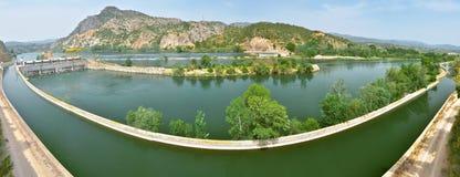 Panorama av Cherta Presa i Ebro River royaltyfria foton