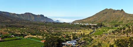 Panorama av dalen via den Puerto Santiago i västra Tenerife Islan royaltyfri bild