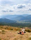 Panorama av de Bieszczady bergen royaltyfri bild