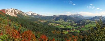 Panorama av den Aramaio dalen Arkivfoto