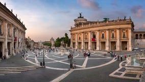 Panorama av den Capitoline kullen och Piazza del Campidoglio i Even fotografering för bildbyråer