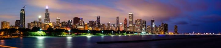 Panorama av den Chicago horisonten royaltyfria foton