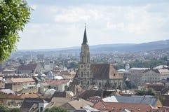 Panorama av den Cluj-Napoca staden från den Transylvania regionen i Rumänien Arkivfoto