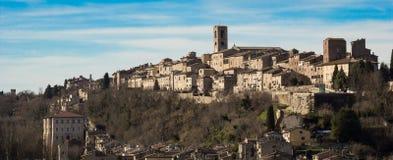 Panorama av den Colle di Val d'Elsaen, staden av kristallen, Tuscany, I arkivfoton