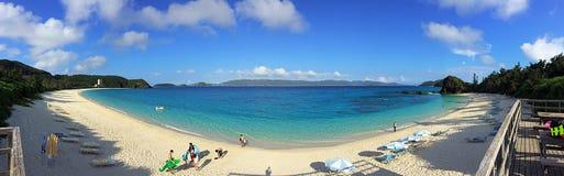 Panorama av den Furuzamami stranden Royaltyfria Bilder