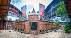 Panorama av den Gangaramaya Buddhatemplet i Colombo, Sri Lanka Fotografering för Bildbyråer