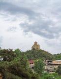 Panorama av den georgiska ortodoxa kyrkan av det 6th århundradet nära Mtskheta Fotografering för Bildbyråer