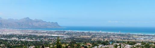 Panorama av den Gordons fjärden och tråden nära Cape Town Royaltyfri Fotografi