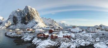 Panorama av den Hamnoy ön i vintertid, Reine, Lofoten öar Royaltyfri Bild