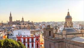 Panorama av den historiska mitten av Seville fotografering för bildbyråer
