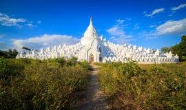 Panorama av den Hsinbyume pagoden, Mingun, Mandalay, Myanmar Arkivfoto