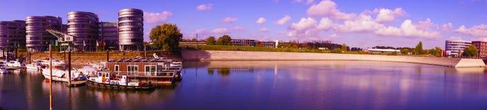 Panorama av den inre hamnen Duisburg Arkivbild