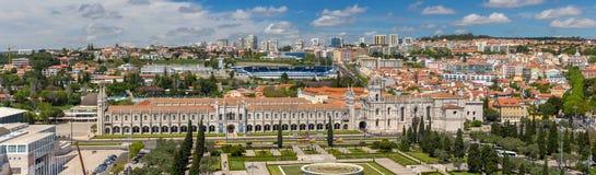 Panorama av den Jeronimos kloster i Lissabon Royaltyfri Fotografi