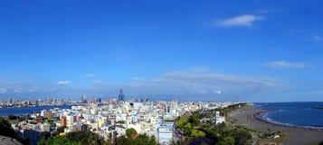 Panorama av den Kaohsiung staden Sjyline och port Fotografering för Bildbyråer