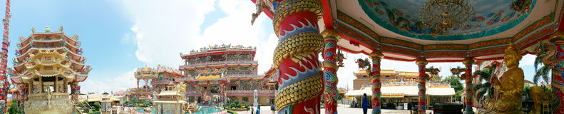 Panorama av den kinesiska templet Royaltyfri Foto