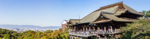Panorama av den Kiyomizu-dera templet Kyoto, Japan Arkivfoto