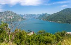 Panorama av den Kotor fjärden Arkivbilder