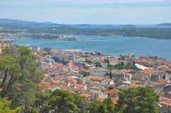 Panorama av den kroatiska staden av Sibenik Royaltyfri Fotografi