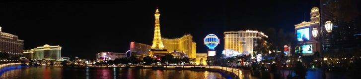 Panorama av den Las Vegas remsan på natten royaltyfri fotografi