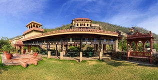 Panorama av den Neemrana fortslotten, Rajasthan, Indien Royaltyfria Bilder