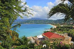 Panorama av den storslagna Anse stranden i Grenada Arkivbilder