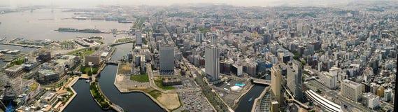 Panorama av den Yokohama fjärden och staden Arkivfoton