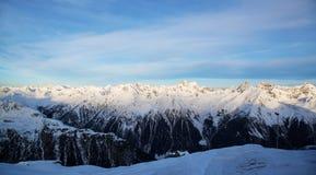 Panorama av det österrikiskt skidar semesterorten av Ischgl Royaltyfria Bilder