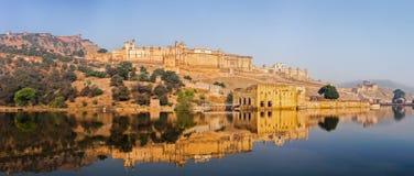 Panorama av det Amer (bärnsten) fortet, Rajasthan, Indien Royaltyfri Bild