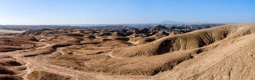 Panorama av det fantrastic Namibia moonscapelandskapet Fotografering för Bildbyråer