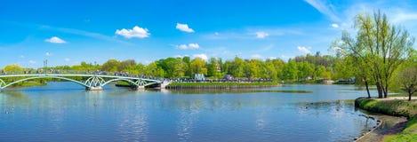 Panorama av det Tsaritsyno dammet Royaltyfria Foton