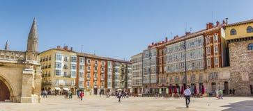 Panorama av domkyrkafyrkanten i Burgos fotografering för bildbyråer