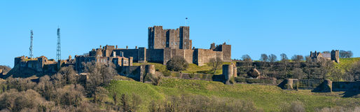 Panorama av Dover Castle i sydostliga England Royaltyfri Bild