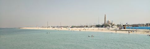 Panorama av Dubai, från det Beachfront arkivbilder