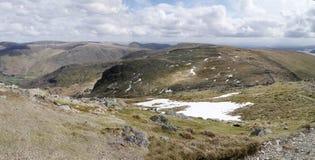 Panorama- av duvabrant klippa, sjöområde royaltyfri foto