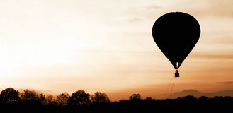 Panorama av en ballong för varm luft Arkivbild
