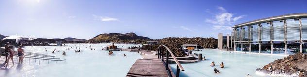 Panorama av en av dragningarna i Island Blå lagun 11 06,2017 Royaltyfria Foton