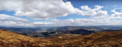 Panorama av en dramatiska Skottland arkivbilder