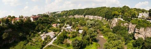 Panorama av en kanjon i kamyanets-Podilskyy, Ukraina Fotografering för Bildbyråer