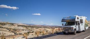 Panorama av en RV längs huvudväg 12 i Utah Arkivbild