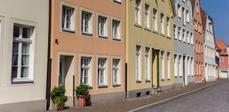 Panorama av färgrika hus i Warendorf Arkivfoto