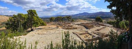Panorama av fördärvar av den forntida Minoan slotten av Phaistos Royaltyfri Foto