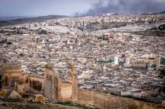 Panorama av Fes, Marocko, Afrika arkivfoton