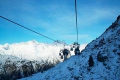 Panorama av fjällängarna övervintrar morgonen, Ischgl, Österrike Arkivfoto