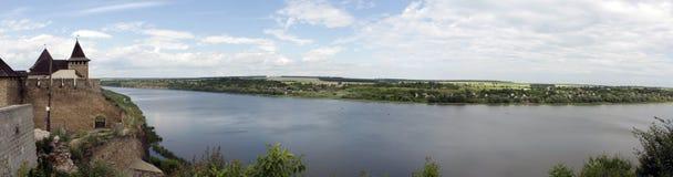 Panorama av från fästningen på Khotyn Arkivfoton