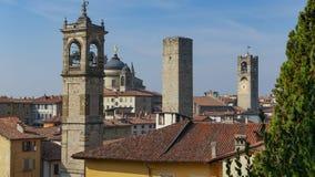 Panorama av gamla Bergamo, Italien Bergamo som kallas också den La Citt deien Mille, staden av tusenen, är en stad i Lombardy som Arkivbilder